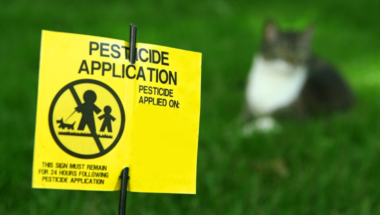Pesticide Application Lawn Sign